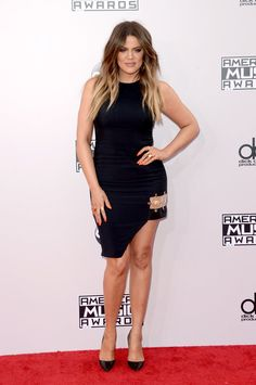 Pin for Later: Seht hier alle Stars auf dem roten Teppich bei den American Music Awards! Khloé Kardashian