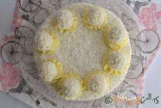 Tort Raffaello cu migdale ciocolata si cocos Beautiful Cakes, Cereal, Decorative Plates, Diet, Breakfast, Desserts, Dessert Ideas, Food, Raffaello