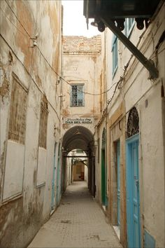 Alleyway in the old Medina in Tunis, Tunisia. Photo by Declan McCullagh