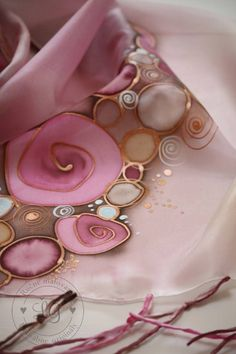 Šály - B r o n z e - 6316286_ Silk Painting, Silk Scarves, Washer Necklace, Hand Painted, Scarf Ideas, Alcohol Inks, Gold, Crafts, Jewelry
