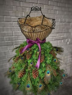 DIY Tutorial for a Christmas Tree on a Wire Dress Form – Mannequin Madness Mehr Mannequin Christmas Tree, Dress Form Christmas Tree, Holiday Tree, Xmas Tree, Peacock Christmas, Diy Halloween Decorations, Halloween Diy, Christmas Decorations, Holiday Decor
