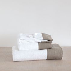 Ręcznik z bordiurą lnianą - Ręczniki i szlafroki - Łazienka | Zara Home Polska