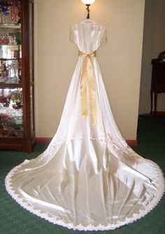 Timeless Antique 1940s Candlelight Ivory Satin and by Cupidsarrow