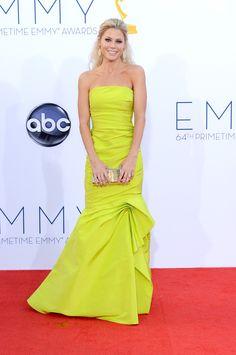 Julie Bowen, ganadora del premio mejor actriz de reparto en una serie de comedia, brilló en la alfombra roja #Emmys