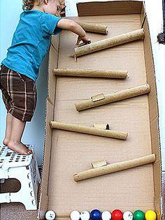 Κλείστε την τηλεόραση και δείτε δέκα διασκεδαστικές και έξυπνες δραστηριότητες που θα γεμίσουν τον ελεύθερο χρόνο των παιδιών στο σπίτι.