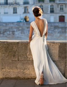Beautiful backless dress. I love the Grecian style; it encapsulates such a timeless beauty.