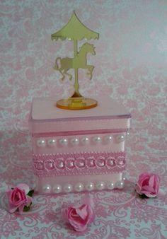 Resultado de imagem para lembrancinha no formato de caixinha de blush com caixinha de acrilico dentro Its A Girl Announcement, Carousel Party, Horse Birthday Parties, Crochet Art, Pretty Pastel, Party Planning, Party Time, Decorative Boxes, Arts And Crafts