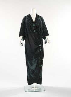 Evening coat Attributed to Weeks (French) Date: 1910–12 Culture: French Medium: silk Dimensions: Length at CB: 59 in. (149.9 cm) Credit Line: Brooklyn Museum Costume Collection at The Metropolitan Museum of Art, Gift of the Brooklyn Museum, 2009; Gift of Dr. Ruth M. Bakwin, 1961 Accession Number: 2009.300.294