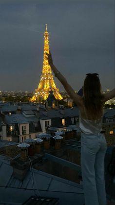 City Aesthetic, Summer Aesthetic, Travel Aesthetic, Paris 3, Moving To Paris, Oui Oui, Future Travel, Paris Travel, Travel Goals