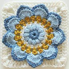 Transcendent Crochet a Solid Granny Square Ideas. Inconceivable Crochet a Solid Granny Square Ideas. Crochet Blocks, Granny Square Crochet Pattern, Crochet Flower Patterns, Crochet Squares, Crochet Blanket Patterns, Crochet Motif, Crochet Designs, Crochet Flowers, Crochet Granny