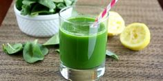 """The so called """"Super 7 green juice"""", is made up of seven ultra-healthy foods, which together constitute avitamin bomb with nutritious fiber. The green juice is a great way tostart the day..."""
