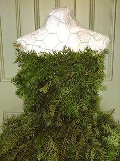 The Dusty Victorian: Christmas Tree Dress 2014 DIY - The Countess' New Gown