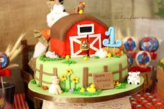 Farm Birthday Cake! I think I want to try to make this for Jareds Birthday :)