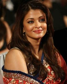 Image may contain: 1 person Aishwarya Rai Photo, Actress Aishwarya Rai, Aishwarya Rai Bachchan, Bollywood Actress, Prom Makeup Looks, World Most Beautiful Woman, Indian Celebrities, Beauty Queens, Pretty Face