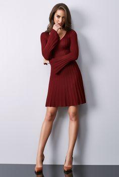 70bd63115 Vestido de tricot com manga flare. Aposte nas cores quentes da estação!   FatoBasico