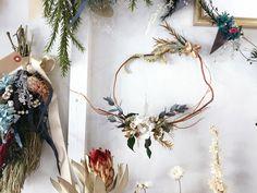 プリザーブドフラワーとドライフラワーで色々アレンジしてます。 ご購入していただけます Wreaths, Home Decor, Atelier, Door Wreaths, Deco Mesh Wreaths, Interior Design, Home Interior Design, Floral Wreath, Home Decoration