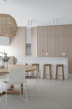 Shaker Style Cabinets, Kitchen Cabinetry, Design Café, House Design, Kitchen Interior, Kitchen Design, Bar Restaurant Design, Architecture Restaurant, Interior Desing