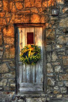 Old Door by Rob Hartley via flickr