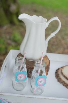 Alyssa C's Mother's Day / - Photo Gallery at Catch My Party White Iced Cake, Shaby Chic, Mother's Day Photos, Mothers Day Brunch, Tea Box, Pastel Flowers, Mom Day, Rustic Chic, Sugar Cookies