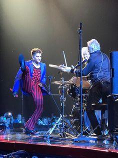 @carly4330 2017.7.28 Queen Adam Lambert Tour, Adam Lambert 2017, Brian May, John Deacon, Roger Taylor, Elizabeth Taylor, Freddie Mercury, Queen David Bowie