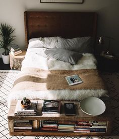 Minimal home white bed. Home Decor Inspiration home decor home inspiration furniture lounges decor b. House Design, Room, Interior, Home, Home Bedroom, Bedroom Design, Room Inspiration, Bedroom Inspirations, Bedroom