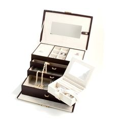 This Ivory & Brown Leather 4 Level Jewelry Box W/ 3 Drawers & Travel Case has secret compartment behind mirror, 3 pull out drawer, locking clasp which can be a great option to carry your precious jewellery collection. Jewellery Boxes, Jewellery Storage, Jewelry Box, Jewelery, Fine Jewelry, Secret Compartment, Custom Gift Boxes, Jewelry Collection, All In One