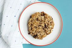 Chocolate Chip Lactation Cookies Homemade Lactation Cookies with Peanut Butter and Chocolate: Boost your milk supply and keep your energy up postpartum with a nutrition-packed cookie you can share with the kids! Cookie Recipes, Snack Recipes, Lactation Cookies, Cookies For Kids, Gluten Free Cookies, Afternoon Snacks, Peanut Butter Cookies, Vegetarian Chocolate, Food Inspiration