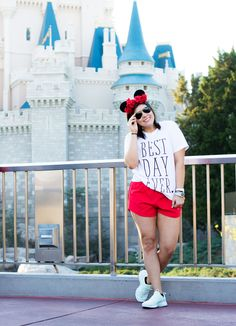 How to Dress like a (practical) Princess in Disney World, how to, what to pack, disney world, what to wear, clothes, shoes, walt disney world, disney land, wdw, ddp, mickey ears, best day ever, nike presto, nike shorts, red, floral mickey ears, magic band, disney princess, comfortable, cute and comfy, orlando, florida