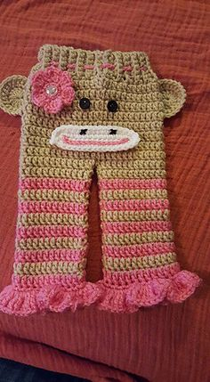 For this pattern I used Red Heart Super Saver Yarns. Free Crochet, Knit Crochet, Crochet Hats, Crochet Dresses, Crochet Designs, Crochet Patterns, Carters Baby Girl, Baby Girls, Crochet Baby Clothes