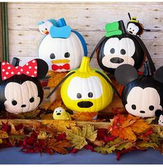 Cute pumpkin ideas.  PC: Disneytsum on Instagram