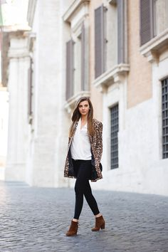 larisa costea, larisa costea blog, the mysterious girl, the mysteriousgirl blog, fashion blog,fashion blogger, travel blog, traveller, rome,roma, galeria alberto sordi, shopping, shopping spree,it girl, fashionista, ootd, lotd, outfit, outfit ofthe day,look, look of the day, leopard print, leopard print coat, shein,skinny jeans, black skinny jeans,brown suede boots, black buckle bag, casual, what do wear, daily outfits