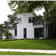 Cochran Heights (Dallas TX). Pershing St. Recent photo of an International style home designed by the late Charles Dilbeck.