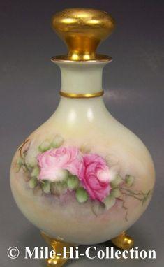 where to put perfume Antique Perfume Bottles, Vintage Perfume Bottles, Perfumes Vintage, Painted Roses, Hand Painted, Beautiful Perfume, Bottles And Jars, Glass Bottles, Vases