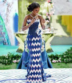Ghana Traditional Wedding, Dress Logo, Kente Dress, Kente Styles, Dress Attire, Nice Dresses, Formal Dresses, Engagement Dresses, Straight Dress