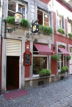 Café In De Karkol, Stokstraat 5, Maastricht, Zuid-Limburg.                                                            De gezelligste café in Maastricht