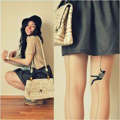 Sólo así podrás recorrer mis piernas ;)