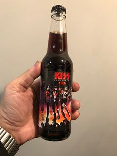 Kiss Art, Best Kisses, Hot Band, Beer Bottle, Heavy Metal, Drinks, Buzzard, Music, Legends