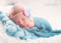 Newborn photography - www.manamana.pl