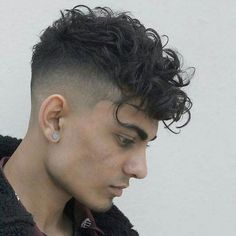 Curly Undercut: 30 Modern Curly Haircuts for Men - Men's Hairstyle Tips Fade Haircut Curly Hair, Male Haircuts Curly, Fade Haircut Styles, Curly Undercut, Curly Hair Styles, Wavy Hair Men, Curly Hair Cuts, Haircuts For Men, Thin Hair