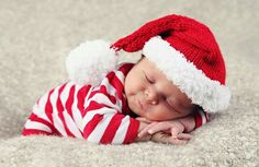 Christmas baby by Anne Geddes Baby Christmas Photos, Newborn Christmas, Babies First Christmas, 1st Christmas, Xmas, Sibling Christmas Pictures, Cute Baby Pictures, Newborn Pictures, Infant Pictures
