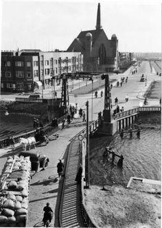 Groningen<br />De stad Groningen: Wouter van Doeverenplein 1939 Covered Bridges, Old Postcards, Netherlands, Holland, Dutch, Past, History, City, Places
