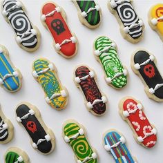 Rad cookies by using our skateboard cutter! Her 5 year old son approved and so do I ✌️ 9th Birthday Parties, 11th Birthday, Cupcakes, Skateboard Party, Skateboard Wedding, Teenager Party, Fondant, Macarons, Ninja Party