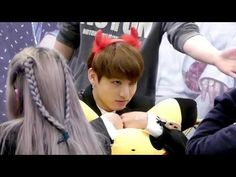 161031 WINGS 팬싸인회 정국이와의 눈싸움 / 정국 JUNGKOOK FOCUS - YouTube