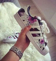 Tendance Chaussures   Imagem de adidas shoes and superstar