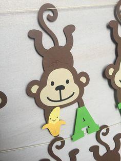 Birthday Chart Classroom, Jungle Theme Classroom, Jungle Theme Parties, Jungle Party, Safari Party, Monkey Birthday Cakes, Monkey Birthday Parties, Farm Birthday, Animal Birthday