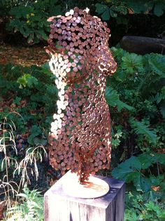 wish i could find the artist who made this. |Garden sculpture