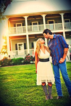 There is always a cute country couple first   Johnny <3 June  Tim <3 Faith  Blake <3 Miranda