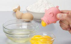 Con este pequeño cerdito podrás retirar la yema de la clara del huevo