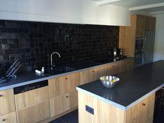 Ikea Hyttan kitchen Narrow Kitchen, New Kitchen, Kitchen Dining, Ikea Kitchen Australia, Ikea Kitchen Units, Torrevieja, Kitchen Handles, Cuisines Design, Cool Kitchens