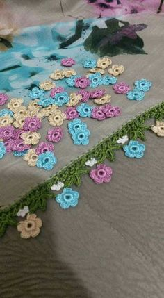 Bargello, Crochet Lace, Diy And Crafts, Crochet Necklace, Projects To Try, Jewelry, Drink, Crochet Flowers, Lace